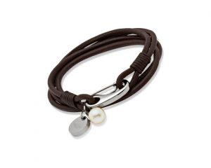womens-leather-bracelet_B67DB_01_640x426